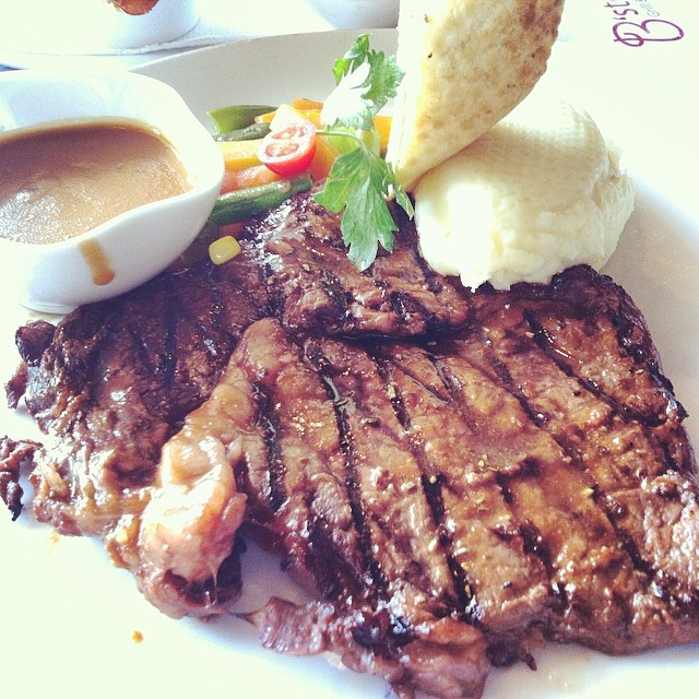 oh it's the weekend already? #steak #saturday
