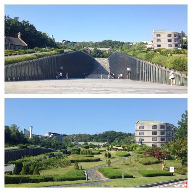 Ewha Woman's University grounds. such distinct scene #Seoul
