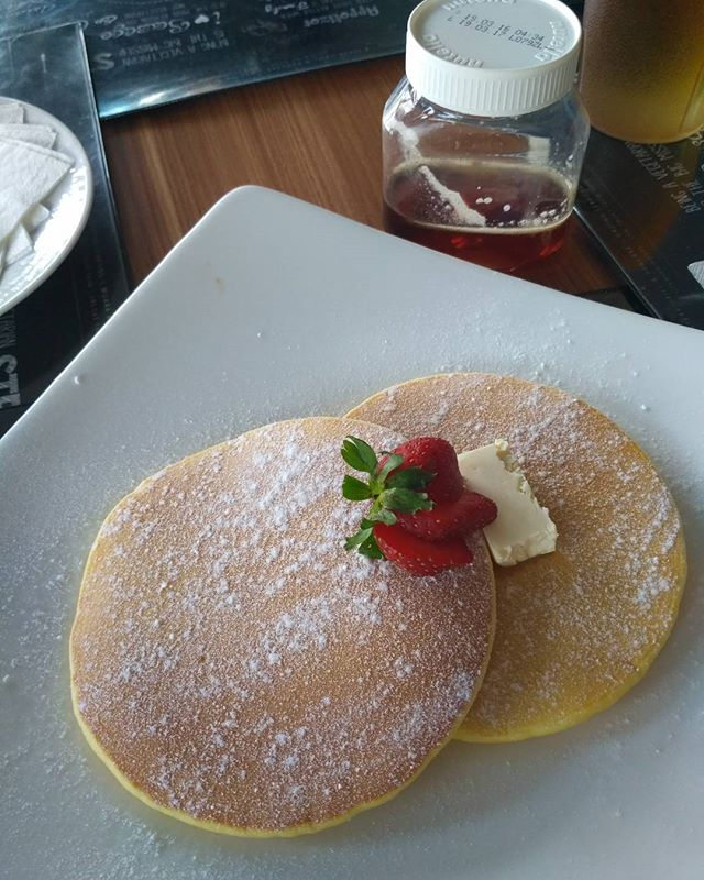 Pancakes w/o syrup? Nah, I got the love alllllllll the way from Quebec. :D