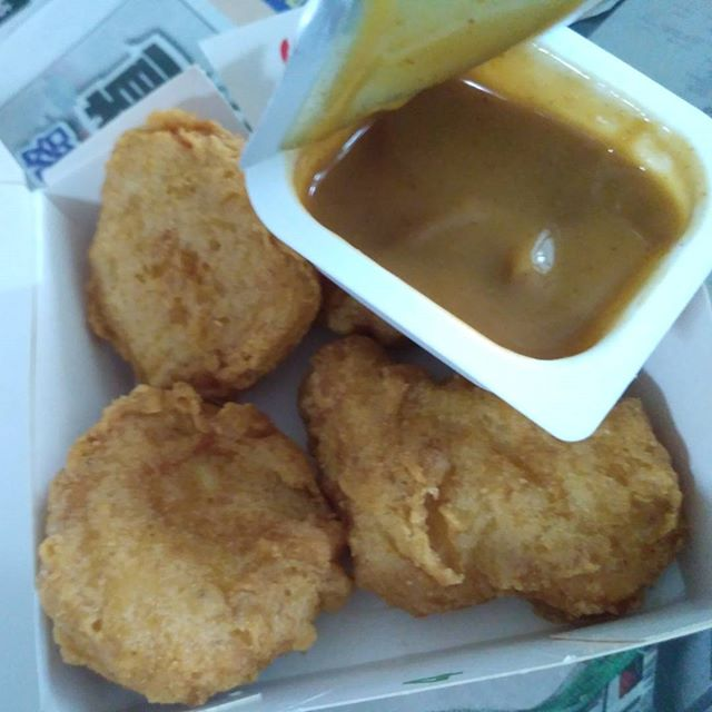 Cravings fulfilled. SG mcd curry sauce. Yum!