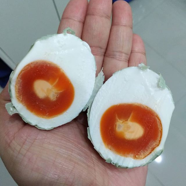 Ultraman! :D (it's almost-perfect salted egg, actually)
